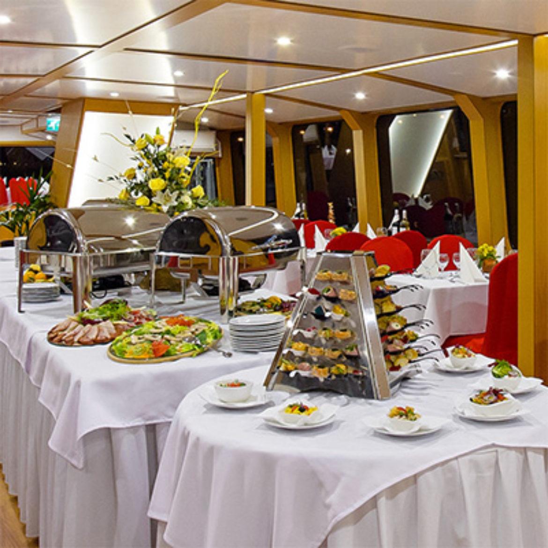 Millenium hajó - Vacsora